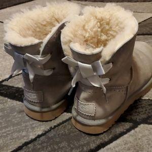 Ugg Bailey Bow Grey boots